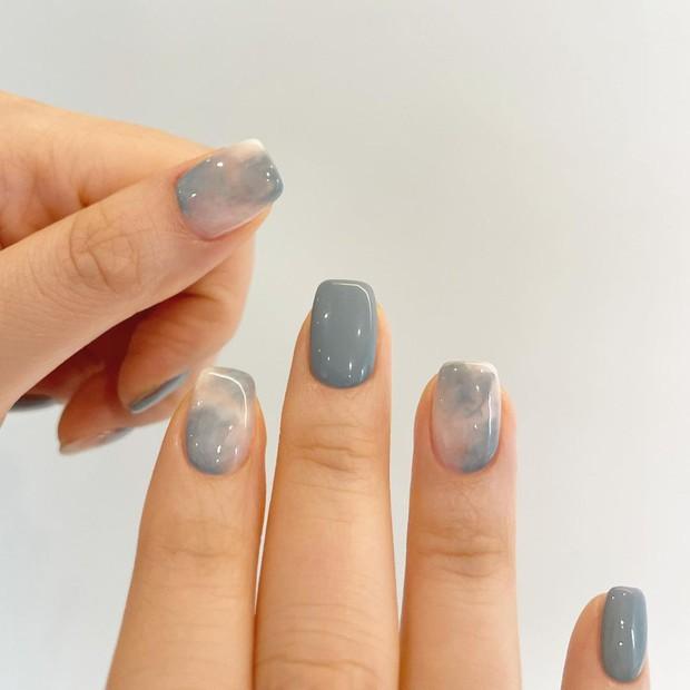 Nàng công sở tham khảo 10 mẫu nail vừa xinh vừa sang lại không sợ quá lố khi đến công ty này! - Ảnh 7.