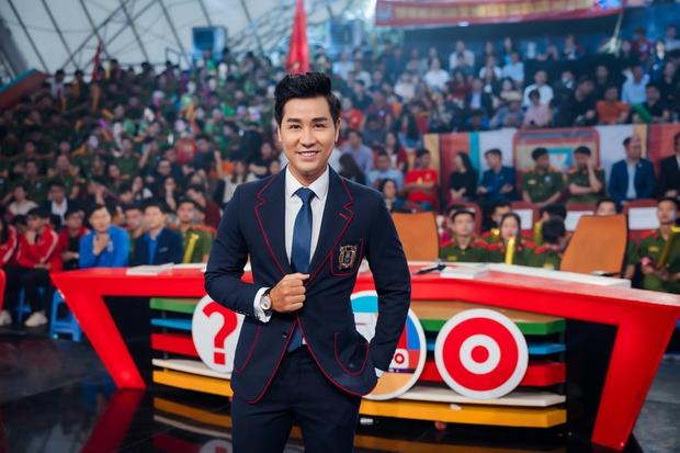 Nguyên Khang dẫn chung kết SV bên cạnh dàn nghệ sĩ Lại Văn Sâm, Xuân Bắc, Châu Bùi... - Ảnh 2.