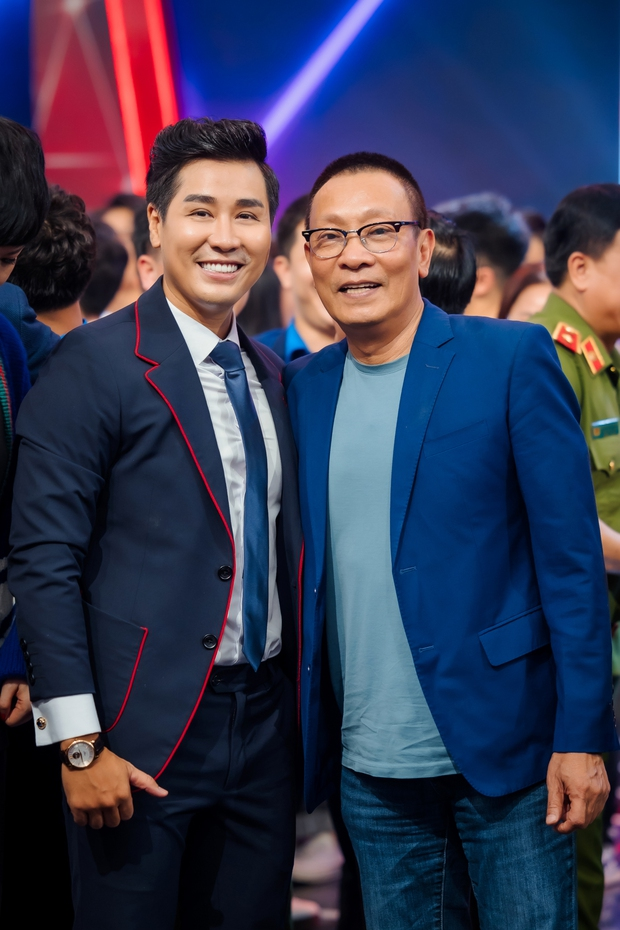 Nguyên Khang dẫn chung kết SV bên cạnh dàn nghệ sĩ Lại Văn Sâm, Xuân Bắc, Châu Bùi... - Ảnh 3.