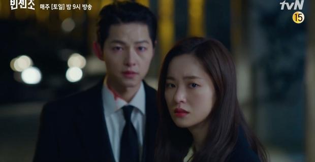 Chỉ xuất hiện 3 giây nhưng chiếc tai nghe của Song Joong Ki trong Vincenzo lại được cộng đồng mạng soi rất kỹ, thì ra là phụ kiện quen mặt - Ảnh 1.
