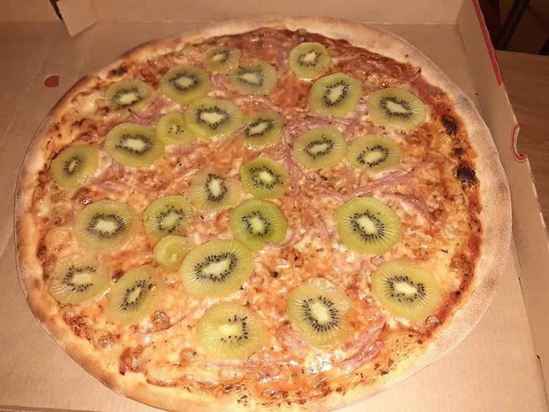 Trổ tài làm món pizza kiwi nhưng người đàn ông lại nhận được rất nhiều lời phản đối, thậm chí còn bị dọa giết - Ảnh 1.