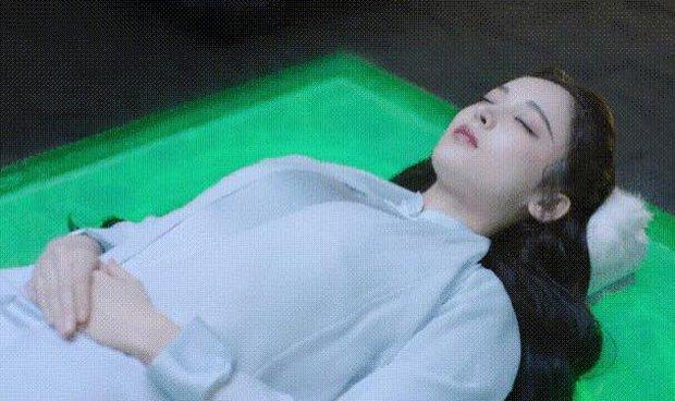 Đọ sườn xám không lại Cảnh Điềm, Cổ Lực Na Trát còn no gạch đá vì diễn xuất ở phim mới: Chỉ đóng đạt mỗi cảnh ngủ! - Ảnh 3.