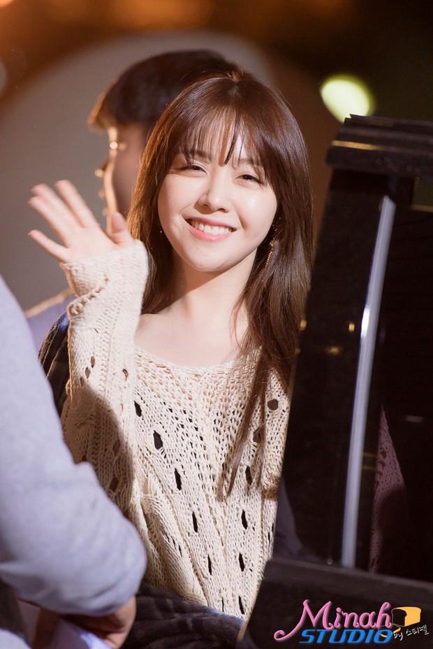 Nhan sắc ngoài đời của mỹ nhân Hàn thủ vai xấu xí: Suzy mặt mộc đẹp choáng váng, Lee Sung Kyung - Han Hyo Joo 1 trời 1 vực - Ảnh 29.