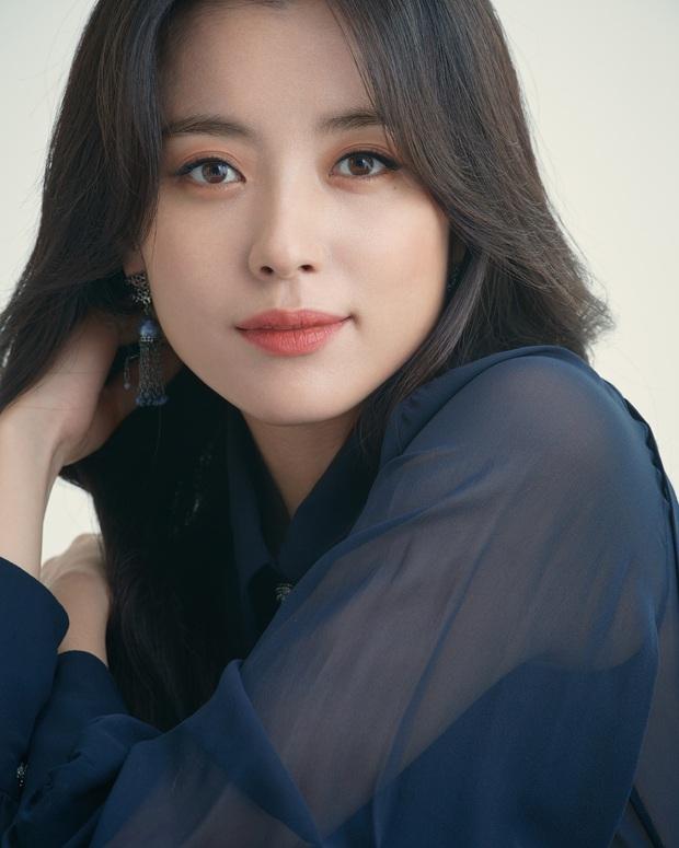 Nhan sắc ngoài đời của mỹ nhân Hàn thủ vai xấu xí: Suzy mặt mộc đẹp choáng váng, Lee Sung Kyung - Han Hyo Joo 1 trời 1 vực - Ảnh 17.