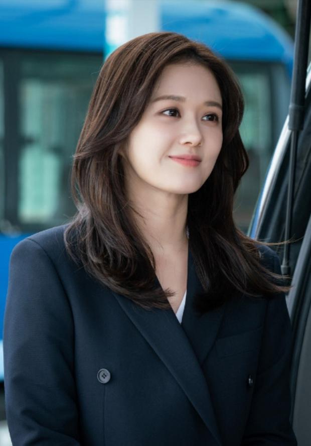 Nhan sắc ngoài đời của mỹ nhân Hàn thủ vai xấu xí: Suzy mặt mộc đẹp choáng váng, Lee Sung Kyung - Han Hyo Joo 1 trời 1 vực - Ảnh 13.