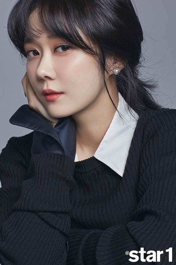 Nhan sắc ngoài đời của mỹ nhân Hàn thủ vai xấu xí: Suzy mặt mộc đẹp choáng váng, Lee Sung Kyung - Han Hyo Joo 1 trời 1 vực - Ảnh 14.