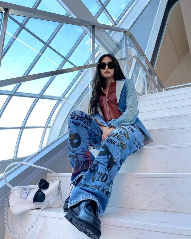 Thiều Bảo Trâm khoe túi mới xinh, netizen bỗng réo tên Jennie chỉ vì 1 chi tiết đáng ngờ - Ảnh 7.
