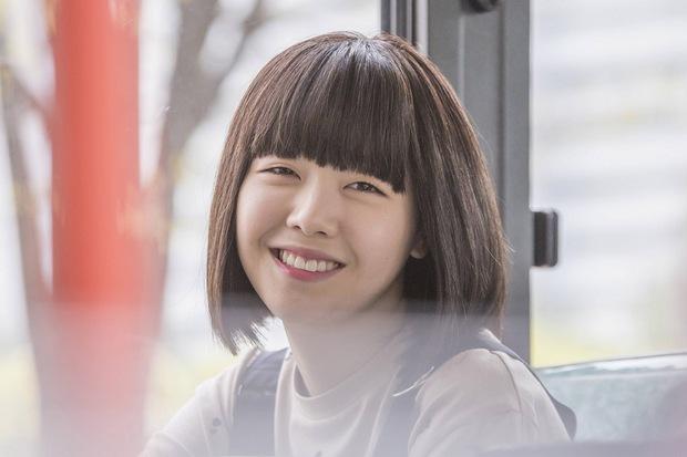 Nhan sắc ngoài đời của mỹ nhân Hàn thủ vai xấu xí: Suzy mặt mộc đẹp choáng váng, Lee Sung Kyung - Han Hyo Joo 1 trời 1 vực - Ảnh 27.