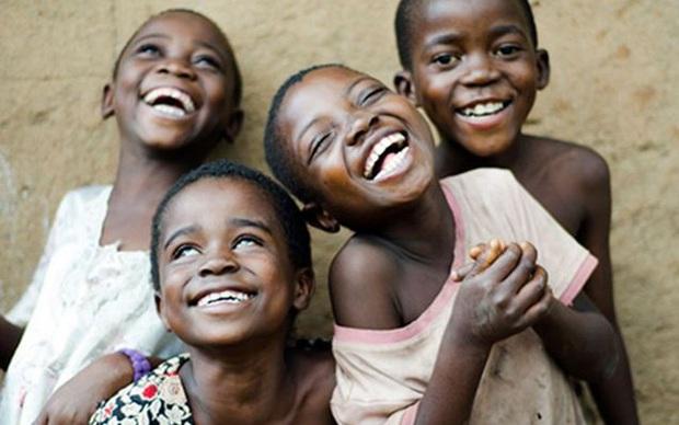 Loại bệnh lạ khiến người mắc phải cười cho đến chết, nguyên nhân đến từ một hủ tục rợn gáy của bộ tộc cổ xưa - Ảnh 1.