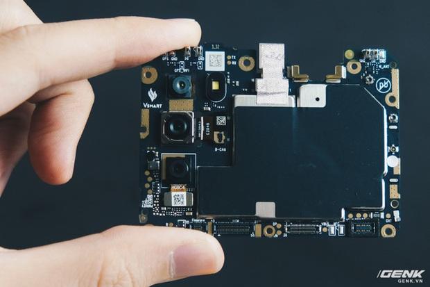 Mổ bụng Vsmart Star 5: Có gì bên trong smartphone giá 2.69 triệu của VinSmart? - Ảnh 12.