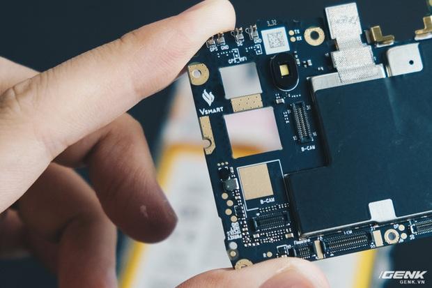 Mổ bụng Vsmart Star 5: Có gì bên trong smartphone giá 2.69 triệu của VinSmart? - Ảnh 15.