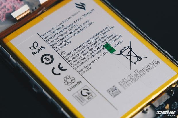 Mổ bụng Vsmart Star 5: Có gì bên trong smartphone giá 2.69 triệu của VinSmart? - Ảnh 19.