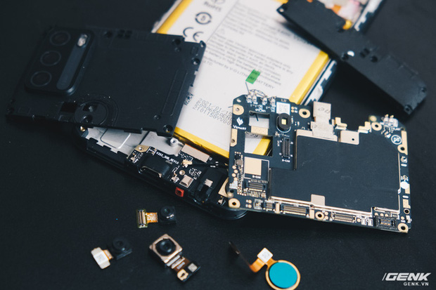 Mổ bụng Vsmart Star 5: Có gì bên trong smartphone giá 2.69 triệu của VinSmart? - Ảnh 20.