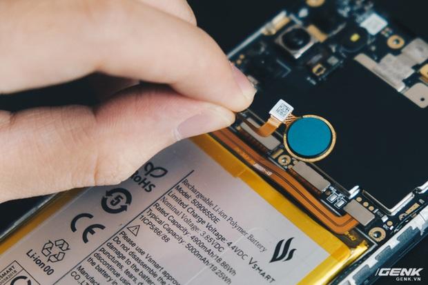 Mổ bụng Vsmart Star 5: Có gì bên trong smartphone giá 2.69 triệu của VinSmart? - Ảnh 10.