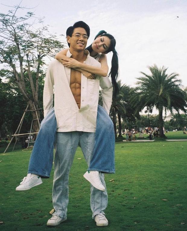 5 mỹ nam tìm thấy tình yêu sau Người Ấy Là Ai: Lâm Bảo Châu & Huy Trần hẹn hò với 2 chị đại showbiz - Ảnh 8.