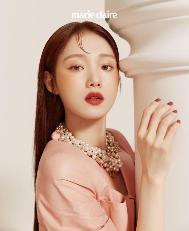 Nhan sắc ngoài đời của mỹ nhân Hàn thủ vai xấu xí: Suzy mặt mộc đẹp choáng váng, Lee Sung Kyung - Han Hyo Joo 1 trời 1 vực - Ảnh 6.