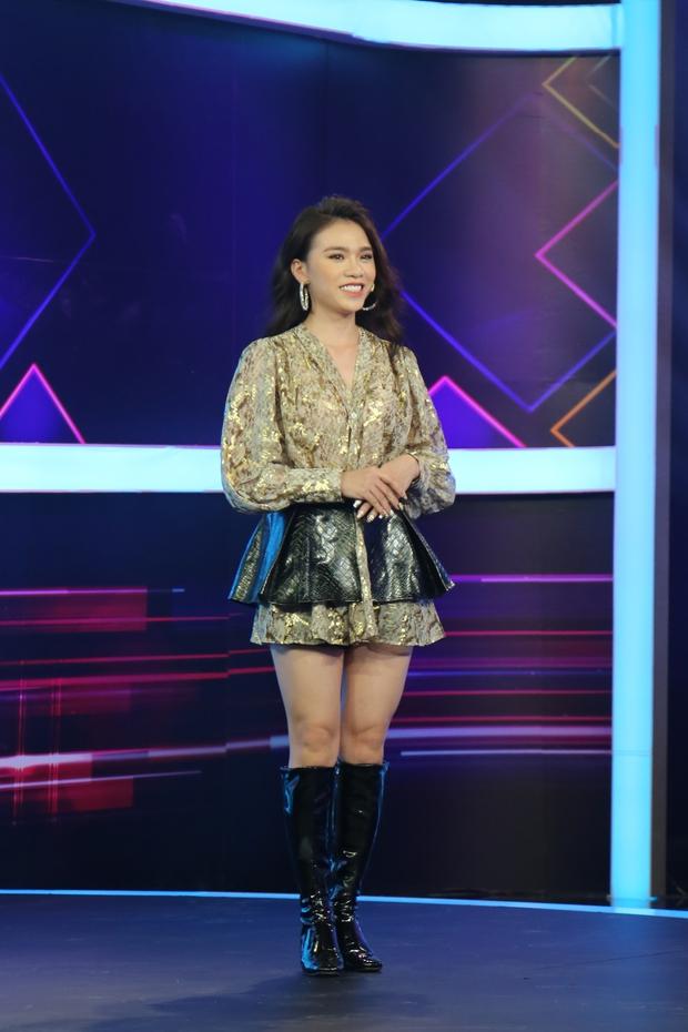 Nữ chính tập mở màn Tần Số Tình Yêu bắn rap cực ngầu khiến dàn trai đẹp phát cuồng - Ảnh 1.