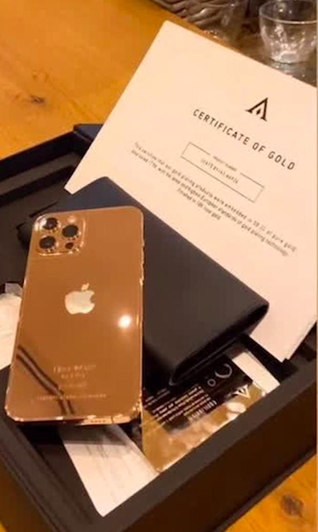 Khui giá thật của chiếc iPhone 12 Pro Max mạ vàng 250 triệu Vũ Khắc Tiệp vừa khoe, sao bên chế tác báo giá chỉ 126 triệu? - Ảnh 4.