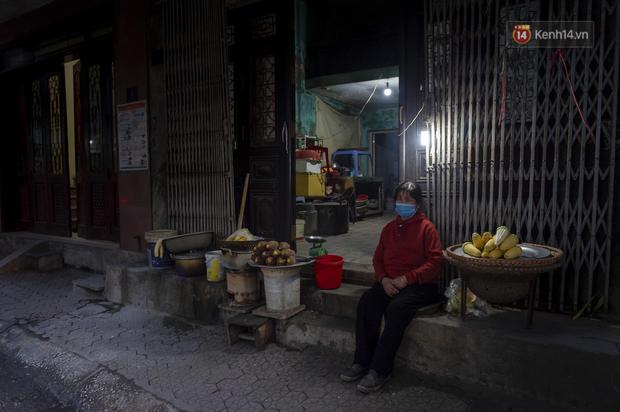 Chùm ảnh: Quang cảnh nội thành Hải Dương trong ngày đầu tiên sau khi kết thúc giãn cách xã hội - Ảnh 10.
