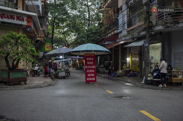 Chùm ảnh: Quang cảnh nội thành Hải Dương trong ngày đầu tiên sau khi kết thúc giãn cách xã hội - Ảnh 5.