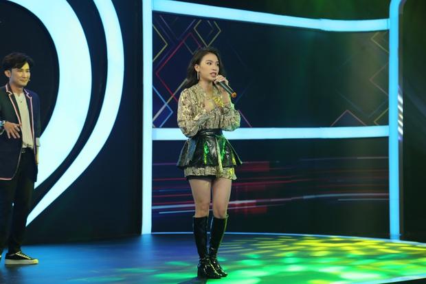 Nữ chính tập mở màn Tần Số Tình Yêu bắn rap cực ngầu khiến dàn trai đẹp phát cuồng - Ảnh 3.