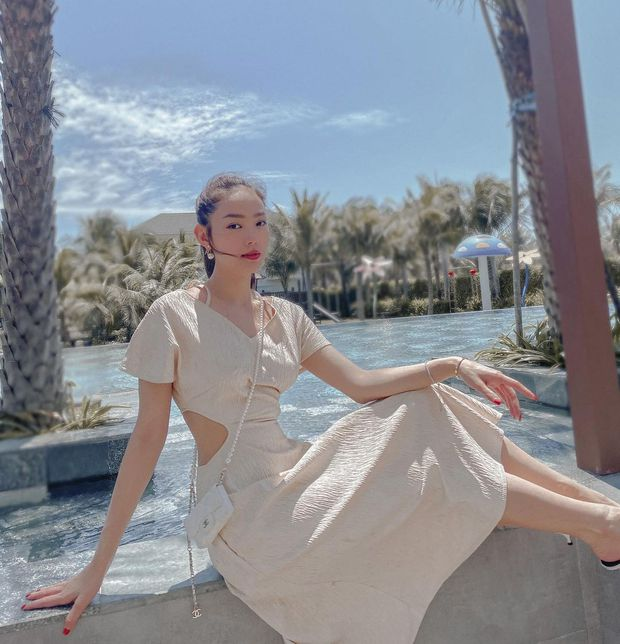Instagram look của sao Việt tuần qua: Chi Pu hở bạo nhất, Linh Ka diện váy ngắn khoe chân cực phẩm - Ảnh 4.