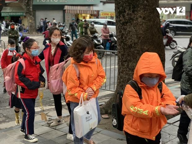 Trường Tiểu học Xuân Phương: Một học sinh duy nhất vẫn học online - Ảnh 2.