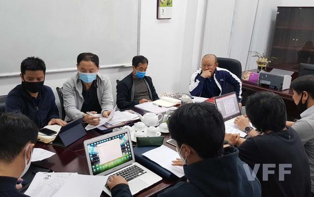 Thái Lan thiếu tiền, HLV Park Hang-seo tìm ngay địa điểm giống UAE để rèn quân cho vòng loại World Cup - Ảnh 1.
