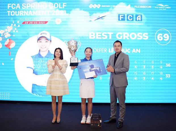 13 tuổi bạn ở nhà làm bài tập, cô bé Việt làm 69 gậy vô địch luôn giải golf - Ảnh 2.