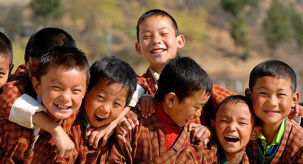 Sự thật thông tin Việt Nam vượt Bhutan trở thành 1 trong 5 quốc gia có chỉ số hạnh phúc cao nhất thế giới đang được cư dân mạng chia sẻ rầm rộ - Ảnh 4.