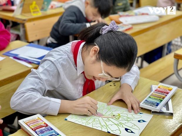 Trường Tiểu học Xuân Phương: Một học sinh duy nhất vẫn học online - Ảnh 5.
