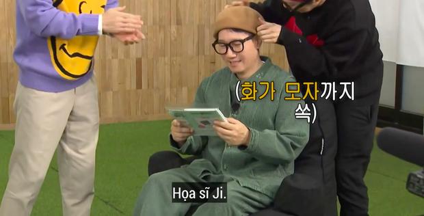 """Lại thêm khoảnh khắc xúc động tại Running Man: """"Bố già"""" Ji Suk Jin được các thành viên mừng thọ long trọng - Ảnh 9."""