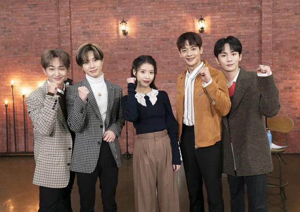 Hóa ra nam ca sĩ lọt mắt xanh của IU chính là leader nhóm nhạc đình đám nhà SM, sau 14 năm mới dám thổ lộ ước muốn hát chung - Ảnh 1.