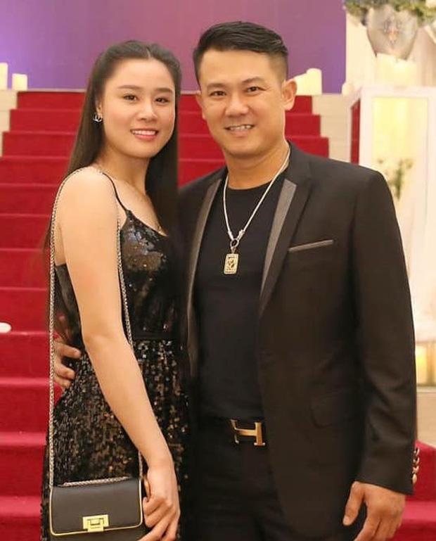 Chị Vân Quang Long xấu hổ: Long mất 2 tháng mà chưa ngày nào được yên tĩnh khi Linh Lan mang tiền lên mạng nói - Ảnh 4.