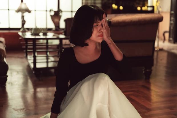 Thương thay cho Tú Hảo khi đóng MV của Only C - Karik: Đứng trước Kiều Minh Tuấn mà không thoại, chỉ khóc và chảy máu mũi - Ảnh 6.