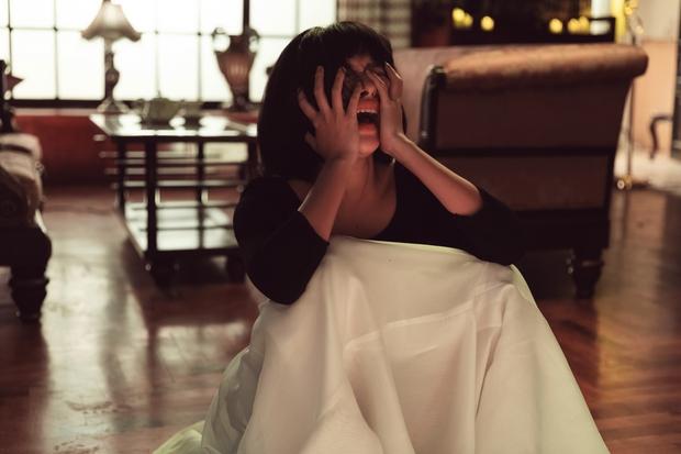 Thương thay cho Tú Hảo khi đóng MV của Only C - Karik: Đứng trước Kiều Minh Tuấn mà không thoại, chỉ khóc và chảy máu mũi - Ảnh 7.