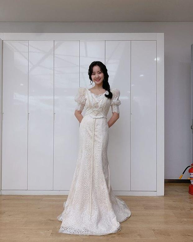 Body dàn rich kid Penthouse sau bộ đồng phục: Sao nhí Gia Đình Là Số 1 ngồn ngộn, Seok Hoon khiến chị em rớt liêm sỉ - Ảnh 14.