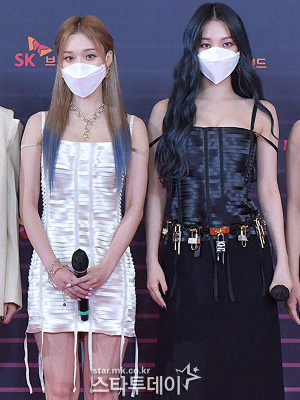 Hết dính nghi án copy Triệu Lệ Dĩnh, Viên Băng Nghiên lại đụng đầm Givenchy với mỹ nhân aespa - Ảnh 5.