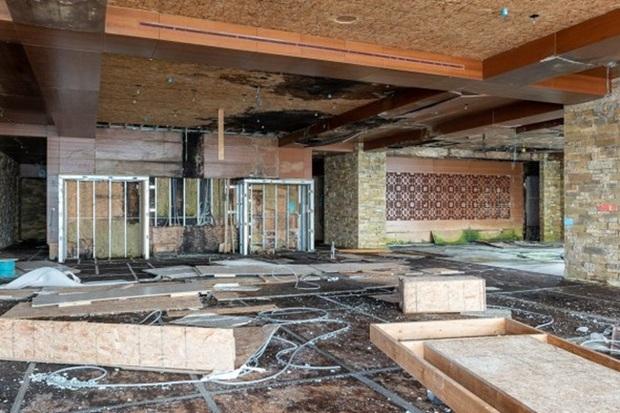 Đại gia gỗ vỡ nợ, biệt phủ siêu to khổng lồ đang xây dở bỏ hoang suốt 10 năm - Ảnh 4.