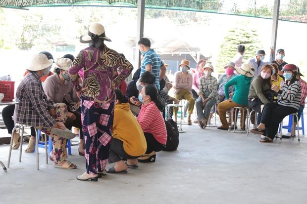 Xót xa di ảnh 6 người trong 1 gia đình được đặt cạnh nhau sau đám cháy kinh hoàng ở Sài Gòn - Ảnh 2.