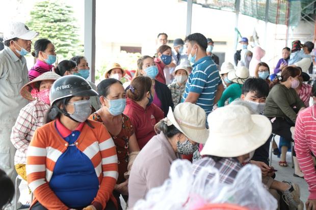 Xót xa di ảnh 6 người trong 1 gia đình được đặt cạnh nhau sau đám cháy kinh hoàng ở Sài Gòn - Ảnh 6.