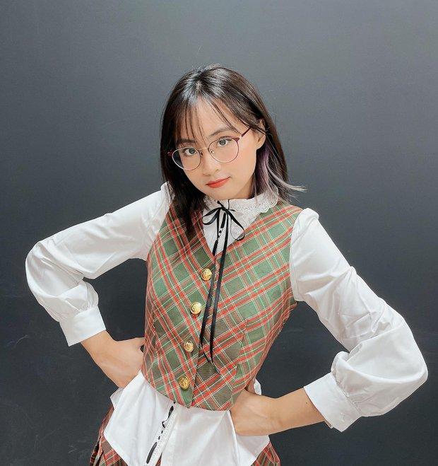 MC Minh Nghi khoe vòng eo con kiến cực nuột khiến nhiều hotgirl trong làng eSports cũng phải mlem mlem - Ảnh 3.
