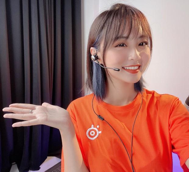 MC Minh Nghi khoe vòng eo con kiến cực nuột khiến nhiều hotgirl trong làng eSports cũng phải mlem mlem - Ảnh 5.