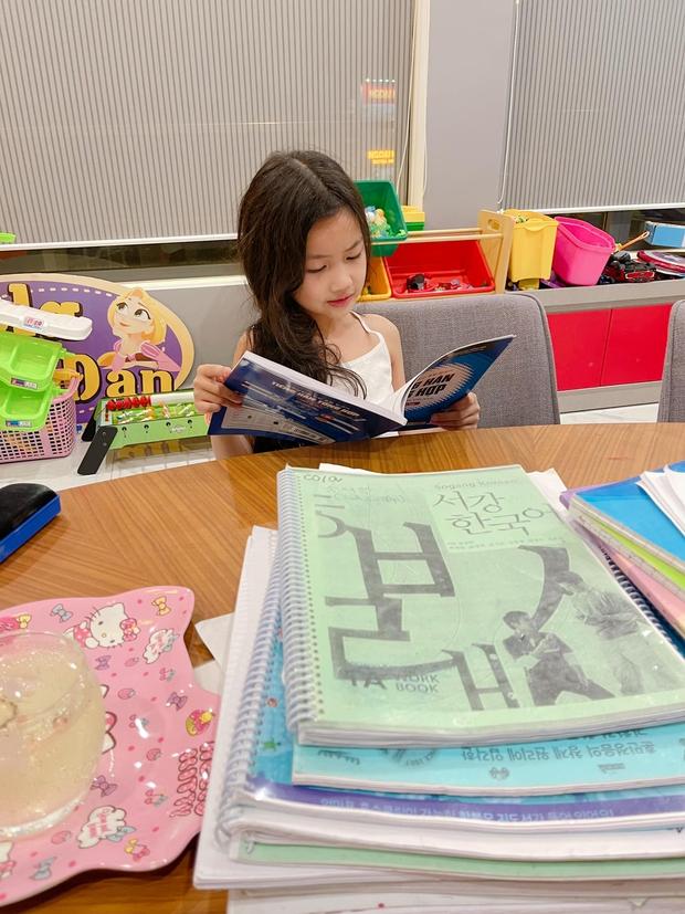 2 con chưa học hết tiểu học, Ốc Thanh Vân đã thuê gia sư về dạy thêm tiếng Hàn nhưng lý do đằng sau khiến ai cũng ngã ngửa - Ảnh 2.