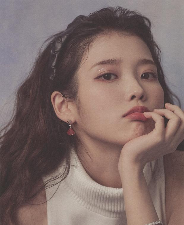 IU gây náo loạn mạng xã hội nhờ tạo hình với tóc hồng cực chất, netizen liên tưởng đến người bạn quá cố Sulli - Ảnh 13.