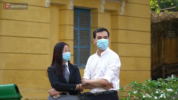 Clip: Hình ảnh đầu tiên ở phiên toà xét xử cựu tiếp viên hàng không Vietnam Airlines làm lây lan dịch bệnh COVID-19 - Ảnh 5.