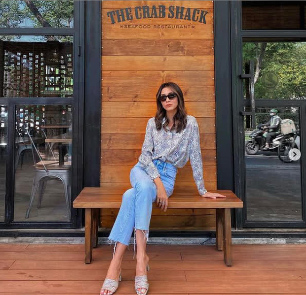 Cơn sốt quần jeans càn quét streetstyle sao Việt: Hà Tăng khí chất ngời ngời, Đồng Ánh Quỳnh ngọt nước hơn tuần trước - Ảnh 1.