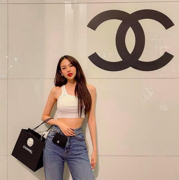 Cơn sốt quần jeans càn quét streetstyle sao Việt: Hà Tăng khí chất ngời ngời, Đồng Ánh Quỳnh ngọt nước hơn tuần trước - Ảnh 5.