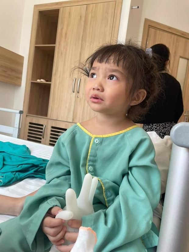 Con gái Lê Dương Bảo Lâm mới 3 tuổi đã phải thực hiện phẫu thuật, nguyên nhân khiến công chúng không khỏi thương xót - Ảnh 2.