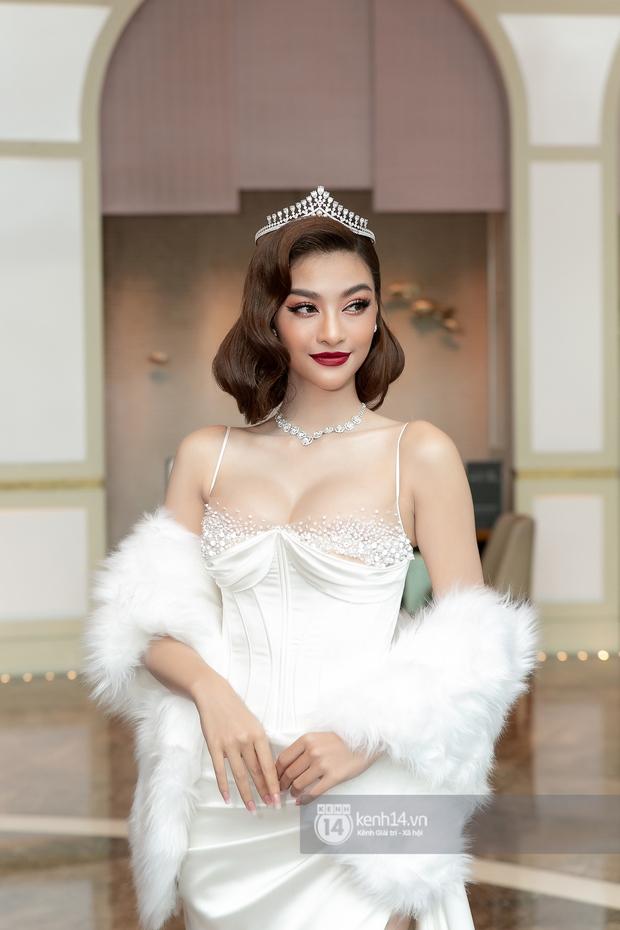 Thảm đỏ Miss World VN 2021: Đỗ Thị Hà lộ khuyết điểm, Lương Thùy Linh và dàn hậu chặt chém chưa nổi bằng bụng bầu của Tường San? - Ảnh 6.